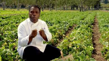 Applebee's Blackened Sirloin & Garlicky Green Beans TV Spot, 'Only Fresh' - Thumbnail 5