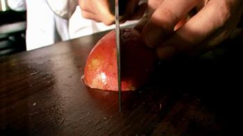 Applebee's Blackened Sirloin & Garlicky Green Beans TV Spot, 'Only Fresh' - Thumbnail 9