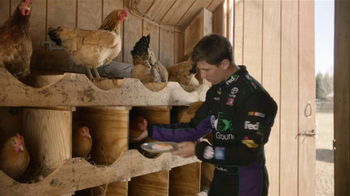 FedEx Ground TV Spot, 'Chickens' Featuring Denny Hamlin - Thumbnail 6