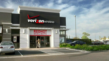 Verizon Red Hot Deal Days TV Spot, 'Golf Cart' Song by Matt and Kim - Thumbnail 1
