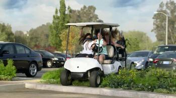 Verizon Red Hot Deal Days TV Spot, 'Golf Cart' Song by Matt and Kim - Thumbnail 3