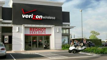 Verizon Red Hot Deal Days TV Spot, 'Golf Cart' Song by Matt and Kim - Thumbnail 4
