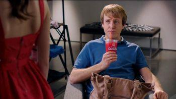 Dunkin' Donuts Berry Blast Coolatta TV Spot, 'Dressing Room'
