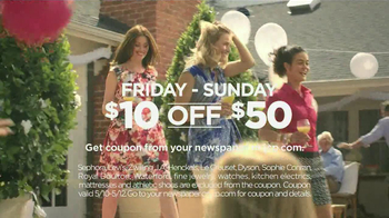 JCPenney Mother's Day Sale TV Spot, 'For Mom' - Thumbnail 5