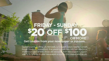 JCPenney Mother's Day Sale TV Spot, 'For Mom' - Thumbnail 7