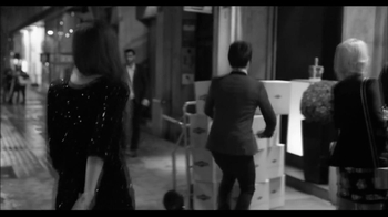 Martini and Rossi Asti TV Spot, 'Boxes' - Thumbnail 3