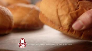 Arby's King's Hawaiian Roast Beef Sandwich TV Spot Feat. Bo Dietl - Thumbnail 9