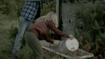 Jack Link's Beef Jerky TV Spot, 'Messin' with Sasquatch: Bucket Prank' - Thumbnail 4