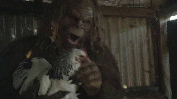 Jack Link's Beef Jerky TV Spot, 'Messin' with Sasquatch: Bucket Prank' - Thumbnail 6
