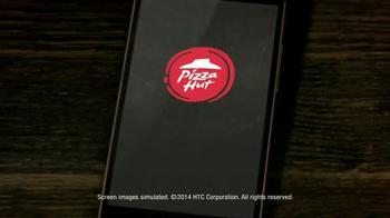 Pizza Hut Flavor of Now Menu TV Spot, 'New Crust Flavors' - Thumbnail 10
