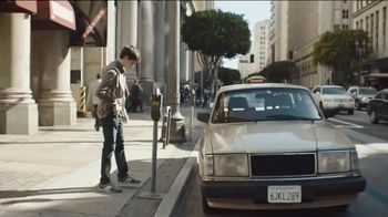 Taco Bell Crunchwrap Slider TV Spot, 'Take the Money and Run'