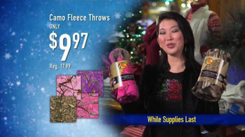 Bass Pro Shops Christmas Sale TV Spot, 'Reel in Great Gifts' - Thumbnail 9