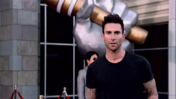 Nissan TV Spot, 'Red Thumb' Featuring Adam Levine - Thumbnail 2