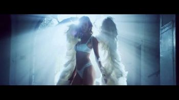 Victoria's Secret Heavenly TV Spot, 'Holiday 2014' Song by Jessie Ware - Thumbnail 2