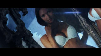 Victoria's Secret TV Spot, 'Holiday 2014: What Angels Want' - Thumbnail 4