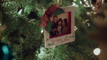 Hallmark TV Spot, 'Brother to Sister' - Thumbnail 5