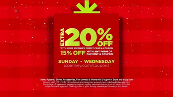 JCPenney Wrap Up the Jingle Sale TV Spot, 'Gifts for Everyone' - Thumbnail 3