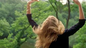 Estee Lauder Pleasures TV Spot, 'Walk in the Park' Song by Plain White T's - Thumbnail 5