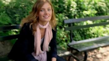 Estee Lauder Pleasures TV Spot, 'Walk in the Park' Song by Plain White T's - Thumbnail 6