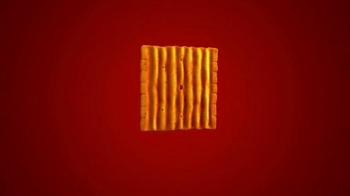 Cheez-It Grooves TV Spot, 'They're Kissing' - Thumbnail 7