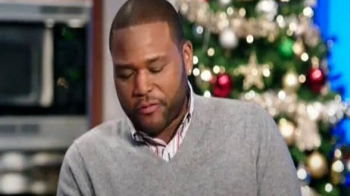 Walmart TV Spot, 'Signature Christmas Gift' Featuring Anthony Anderson - Thumbnail 7