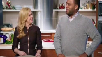 Walmart TV Spot, 'Signature Christmas Gift' Featuring Anthony Anderson - Thumbnail 9