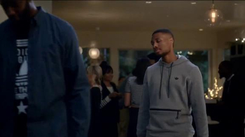 Foot Locker Adidas ZX Flux TV Spot, 'Rookie' Featuring Tracy McGrady - Thumbnail 9