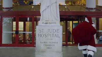 Expedia TV Spot, 'St. Jude Children's Research Hospital: Santa Flies Coach' - Thumbnail 8