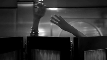 Paco Rabanne 1 Million Intense TV Spot, 'Elegancia' [Spanish] - Thumbnail 4
