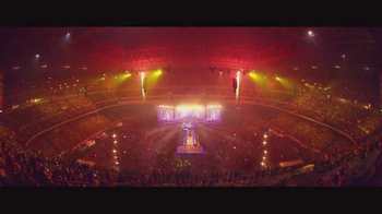 One Direction TV Spot, 'On the Road Again Tour 2015' - Thumbnail 4