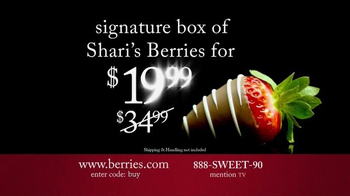 Shari's Berries TV Spot, 'Surprise Them With Something Different' - Thumbnail 7
