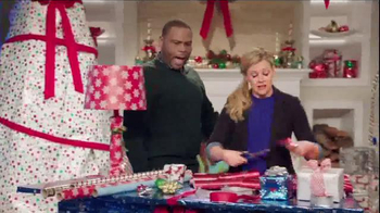 Walmart TV Spot, 'Wrapping Gifts' Ft. Melissa Joan Hart, Anthony Anderson - Thumbnail 2