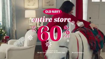 Old Navy TV Spot, 'XMas Morning Gifts are Great!' Feat. Julia Louis-Dreyfus - Thumbnail 10