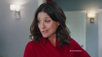 Old Navy TV Spot, 'XMas Morning Gifts are Great!' Feat. Julia Louis-Dreyfus - Thumbnail 4