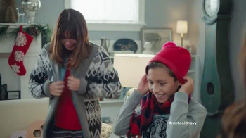 Old Navy TV Spot, 'XMas Morning Gifts are Great!' Feat. Julia Louis-Dreyfus - Thumbnail 8