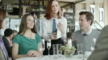 Skechers Slip Resistant TV Spot, 'Restaurante Desastre' [Spanish] - Thumbnail 2