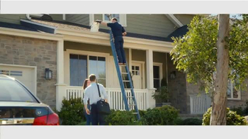 Angie's List TV Spot, 'Cleaning the Gutters' - Thumbnail 4