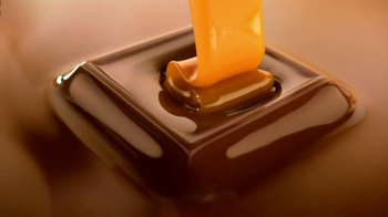 Ghirardelli Squares TV Spot, 'Discover the Heart' - Thumbnail 5