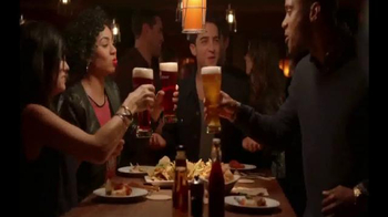 Applebee's Brisket Nachos TV Spot, 'What's Better Than Nachos and Beer?'