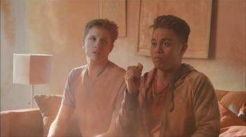 Totino's Cheddar Blasted Crust Pepperoni Rolls TV Spot, 'Full Blast'