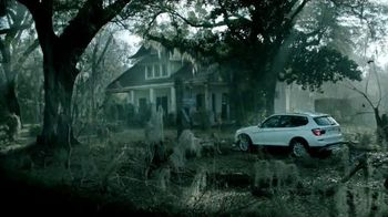 2015 BMW X3 xDRIVE28i TV Spot, 'Sports Activity Sales Event: Cute Cottage' - 650 commercial airings