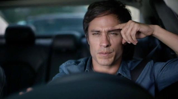 2015 Chrysler 200 TV Spot, 'Psychic' Con Gael Garcia Bernal [Spanish] - Thumbnail 3