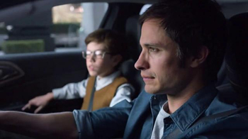 2015 Chrysler 200 TV Spot, 'Psychic' Con Gael Garcia Bernal [Spanish] - Thumbnail 6