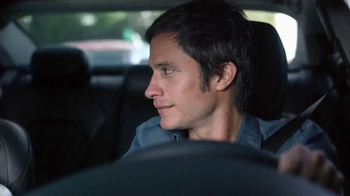 2015 Chrysler 200 TV Spot, 'Psychic' Con Gael Garcia Bernal [Spanish] - Thumbnail 7