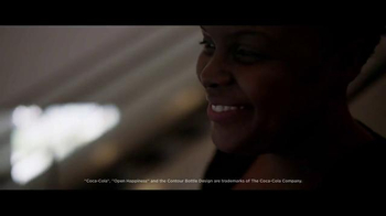 Coca-Cola TV Spot, 'Airport Reunion' Song by Clean Bandit, Jess Glynne - Thumbnail 2