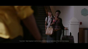 Coca-Cola TV Spot, 'Airport Reunion' Song by Clean Bandit, Jess Glynne - Thumbnail 3