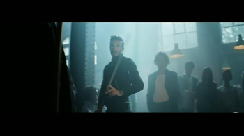 H&M Modern Essentials TV Spot, 'Pool' Ft. David Beckham, Song by The Heavy - Thumbnail 4