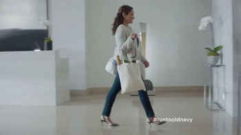 Old Navy TV Spot, '¡Paren el Elevador!' Con Judy Reyes [Spanish] - Thumbnail 1