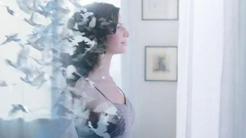 Glade Clean Linen TV Spot, 'Feel Fresh and New' - Thumbnail 9