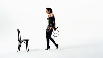 Wonderful Pistachios TV Spot, 'Dominatrix' - Thumbnail 2